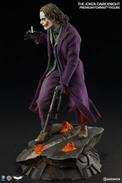 Batman The Dark Knight - Premium Format Figure 1/4 The Joker 48 cm | Figures.cz