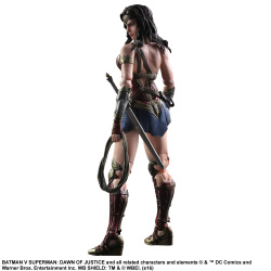 Batman v Superman Dawn of Justice - Play Arts Kai Wonder Woman 25 cm | Figures.cz