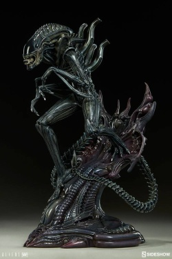 Aliens Statue Alien Warrior 44 cm