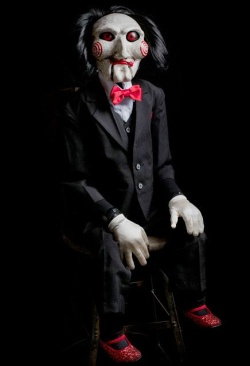 SAW - replika Billy Puppet 119 cm