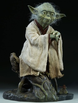 Star Wars - Yoda 1/2 Legendary Scal