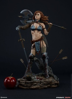 Red Sonja Premium Format Figure Red