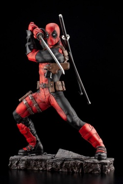 Deadpool - Marvel Fine Art Statue 1